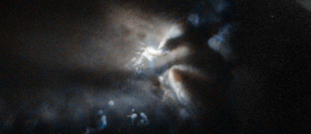 Орбитальным телескопом «Хаббл» был зафиксирован свет, который исходит из темного облака LDN 43