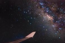 Млечный Путь в полете из Нью-Йорка в Лондон