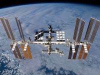 Российские космонавты Александр Мисуркин и Фёдор Юрчихин возвратились на МКС после проведенных за бортом станции 6 часов 35 минут