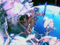 Эстафета олимпийского огня в космосе.