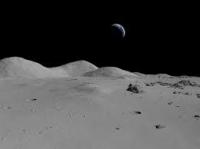 Ученые обнаружили следы воды на Луне