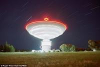 Являются ли эти тайные радио всплески сообщениями от инопланетян? Необычные частоты из-за пределов Млечного Пути сбивают с толку астрономов.