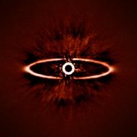 Камера для исследования экзопланет SPHERE: «Первый свет»