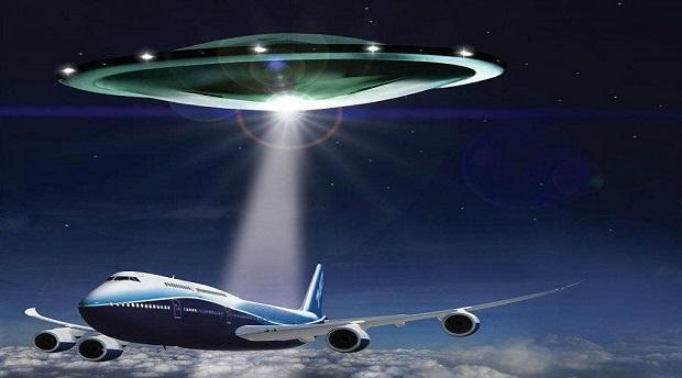 НЛО сопровождают «Борт №1» президента США