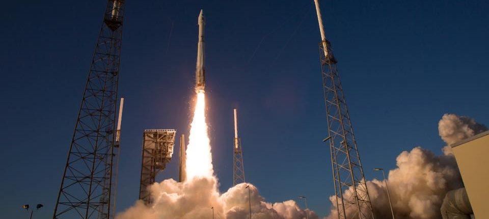 Зонд OSIRIS-REX полетел к астероиду Бенну