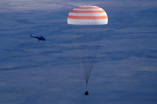 Модернизированный «Союз» успешно доставил экипаж МКС на Землю