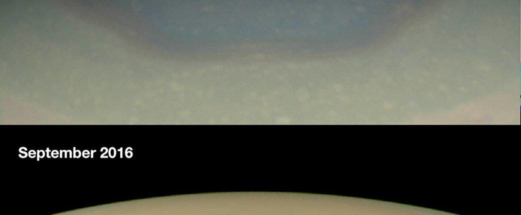 NASA: шестиугольник Сатурна поменял свой цвет