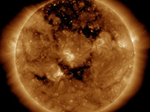 Ученые объяснили тайну таинственной сферы на Солнце