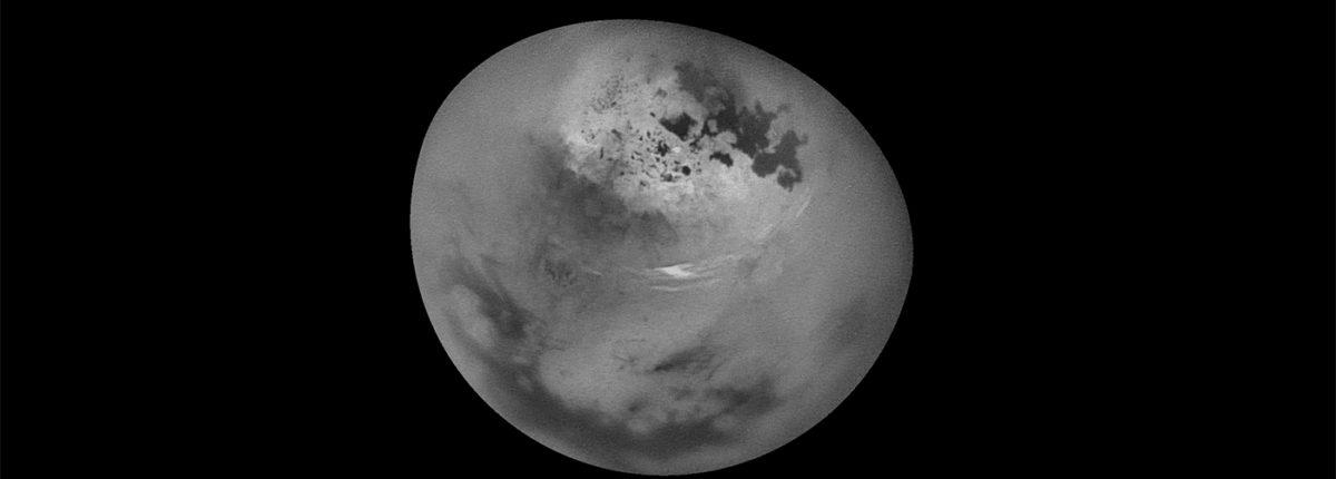 NASA показало 11 часов наблюдений за Титаном в 1-минутном ролике