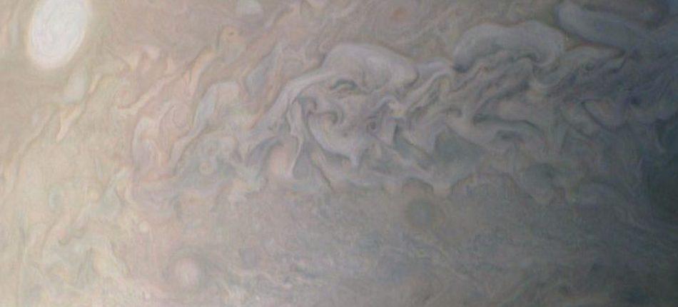 Восемь штормов Юпитера — новые уникальные снимки от зонда Juno