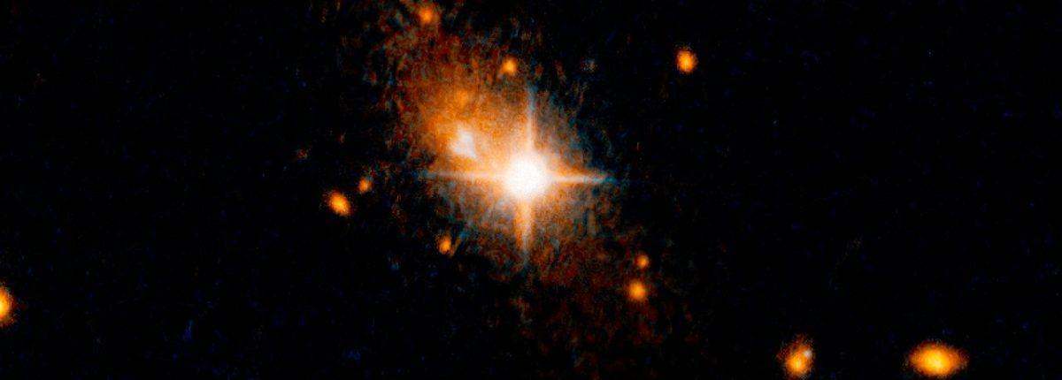 Гравитационные волны выбросили черную дыру из ядра галактики