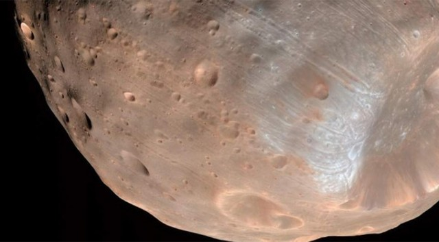 Франция и Япония намерены изучить состав Фобоса, спутника Марса