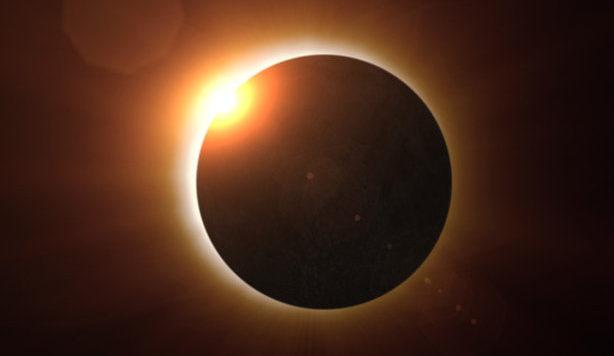 Полное солнечное затмение: Если вы не сможете увидеть его вживую, смотрите ОНЛАЙН