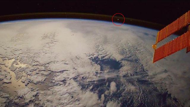 Космонавту удался невероятный снимок «Огненного Шара» из космоса