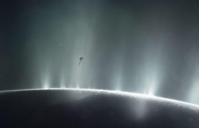 Ученые обнаружили доказательства существования инопланетной жизни на спутнике Сатурна