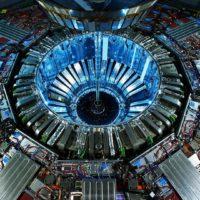 ЦЕРН: Вселенной не должно существовать