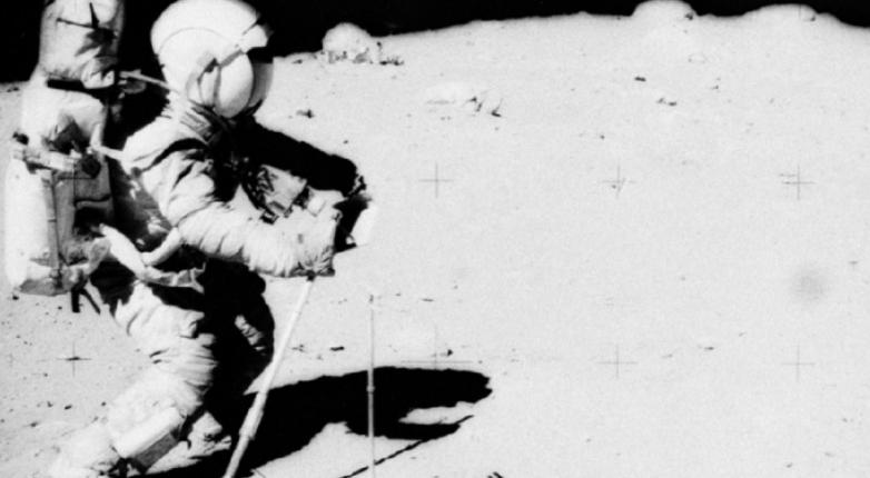 Конспирологи: Эта фотография доказывает, что высадки человека на Луну не было