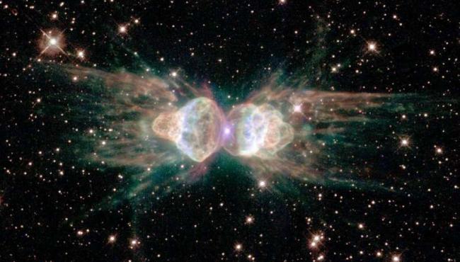 Астрономы обнаружили необычный лазерный луч из туманности Муравей