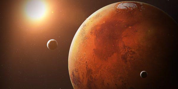 На Марсе есть вода: учёные обнаружили на красной планете озеро с жидкой водой