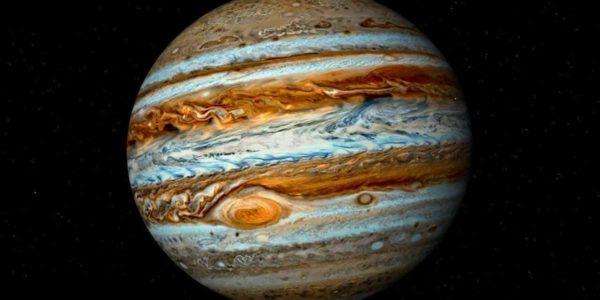 На Юпитере есть вода: учёные нашли жидкость в недрах Красного Пятна