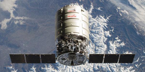 Америка запустила грузовую ракету для пополнения запасов на МКС