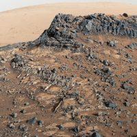 Один из кратеров способен раскрыть тайну о жизни на Марсе