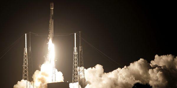 Falcon 9 побил несколько рекордов этой ночью