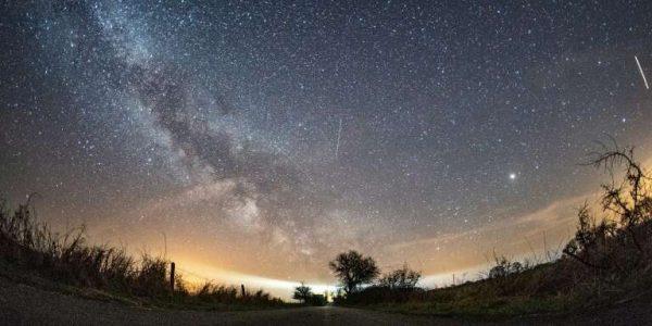 Японский спутник создаст искусственный звездопад