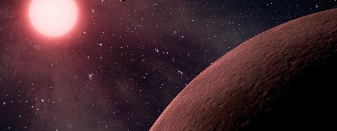 Экзопланета K2-22b распадается на части