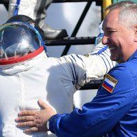 NASA хочет купить у Роскосмоса два места для путешествия на МКС