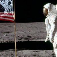 Пенс считает, что США должны попасть на Луну в течение 5 лет
