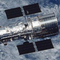 Телескоп «Хаббл» по частям выходит из строя