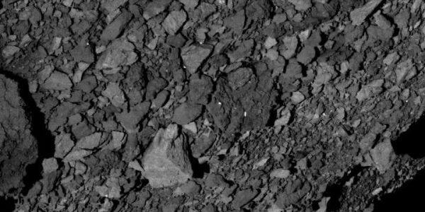 Астероид Бенну покрыт валунами - NASA не знает как посадить корабль