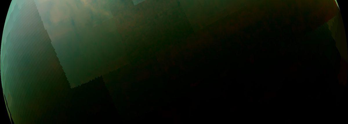 Ученые NASA поражены: небольшие озера Титана оказались невероятно глубокими