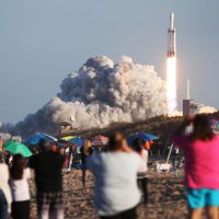 Космический корабль SpaceX пострадал от «аномалии» во время испытаний на мысе Канаверал