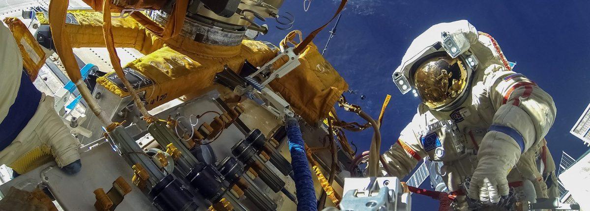 Астронавты столкнулись с проблемой при выходе в отрытый космос