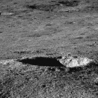 Китайский Луноход Чанъэ-4 прислал снимки Луны