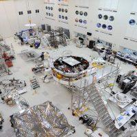 Марсианская миссия НАСА Mars 2020 уже на этапе укладки оборудования
