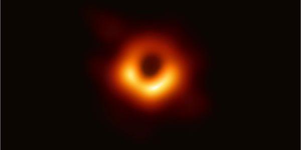 «Мы видим невидимое»: Обнародован первый в истории человечества снимок Черной дыры