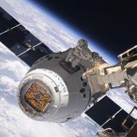 Грузовой SpaceX Dragon пристыковался к МКС