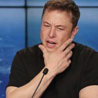 Илон Маск решил судиться с ВВС США