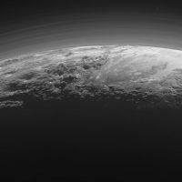 Ученые знают, почему океан Плутона остается жидким