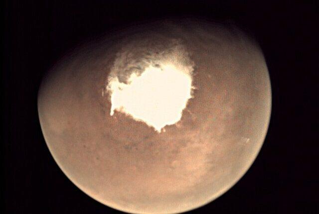 Жизнь обосновалась под поверхностью Марса? — Ученые не могут объяснить выбросы метана