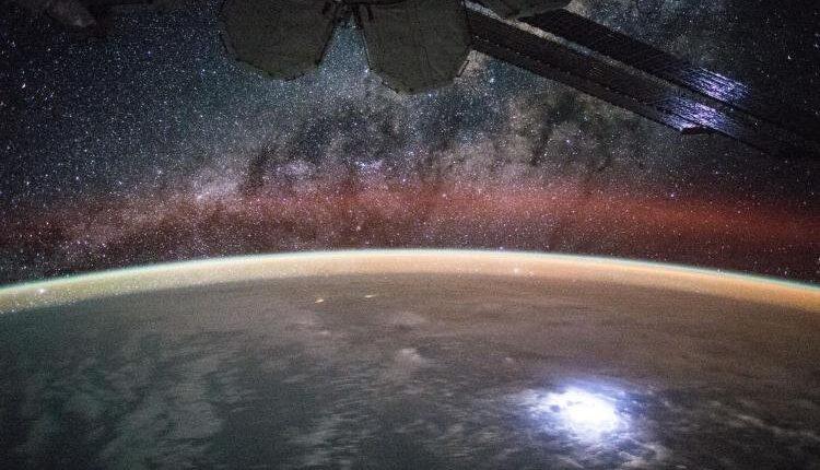 NASA планирует исследовать гравитационные волны в атмосфере Земли с помощью МКС