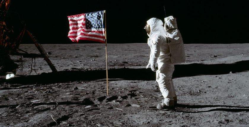 Луна без американцев – кто всему виной