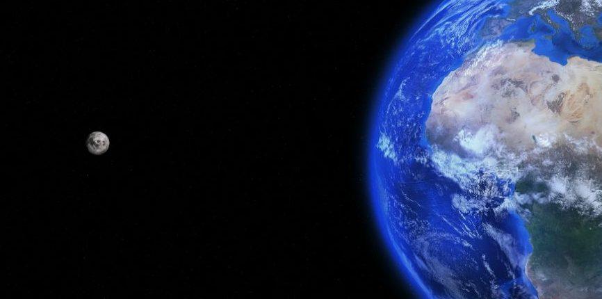 Наша Луна может вырваться с орбиты Земли и стать «Плуонетом»