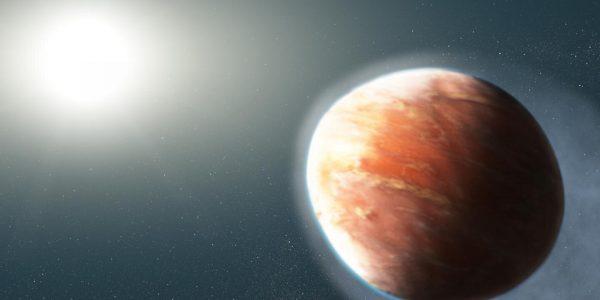 Планета-футбольный мяч выбрасывает тяжелые металлы в космос