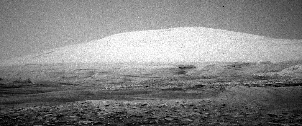 Марсоход Curiosity сделал «призрачный» снимок горы Шарп