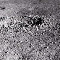 Китайский луноход обнаружил «гелеобразное» вещество на темной стороне Луны