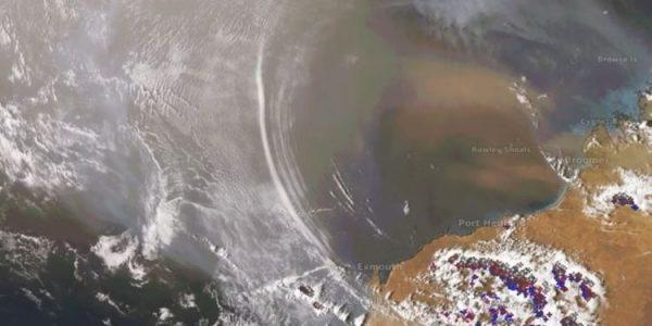 Космический зонд сфотографировал гравитационные волны Земли